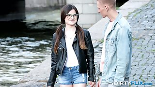Nerdy brunet teen encircling glasses Molly Brown hooks up with barely ventilate guy