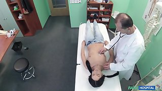 Eavesdrop camera in doctors office films him screwing a brunette patient