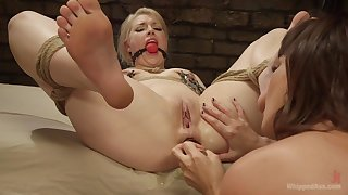 First epoch she gets gagged and ass fucked by a woman